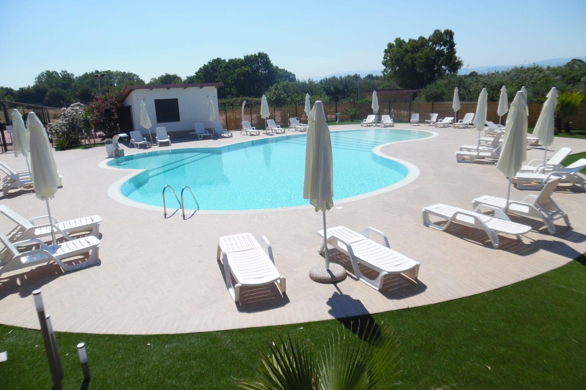 piscina camping riviera village
